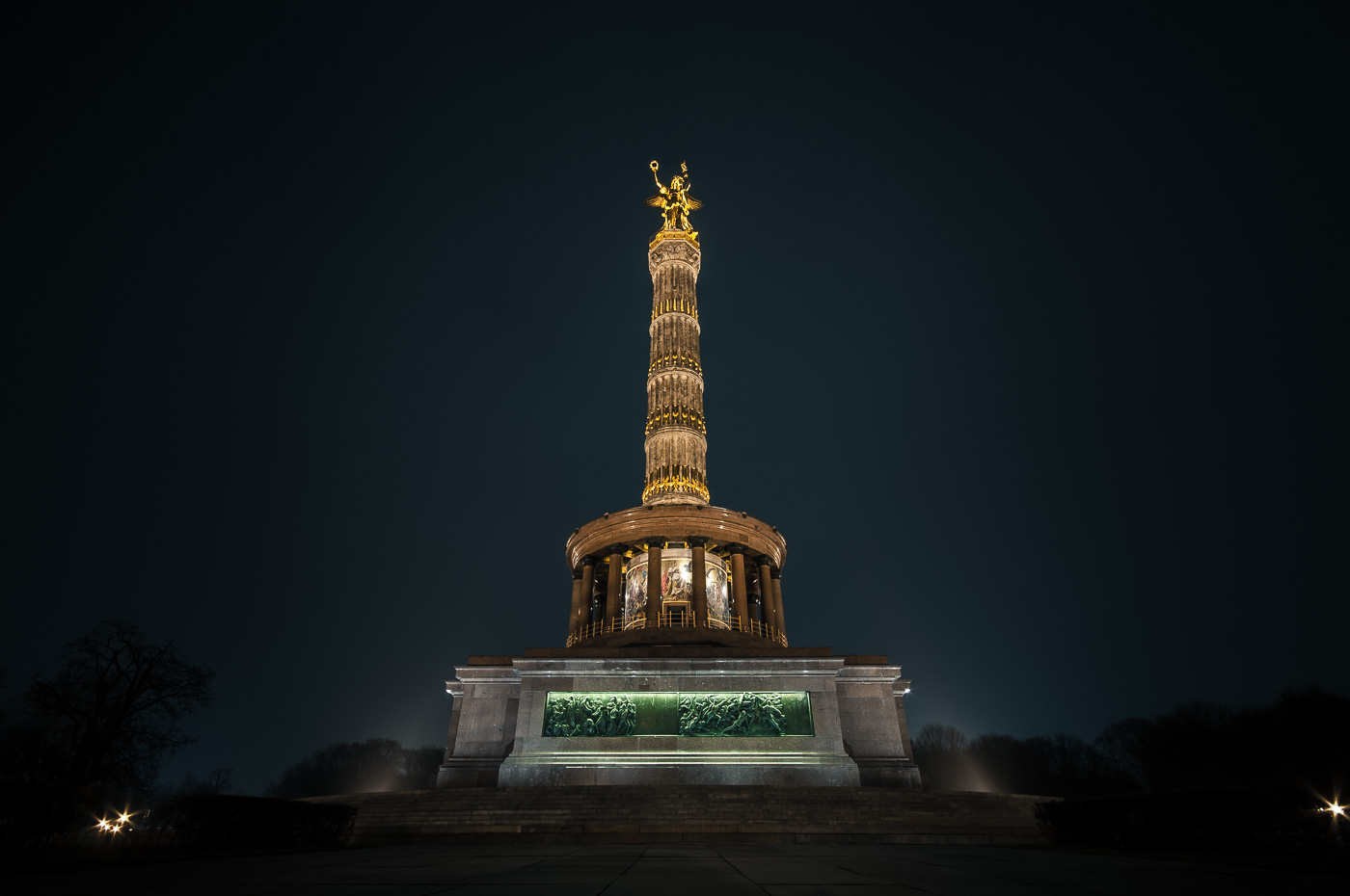 Siegessäule at night